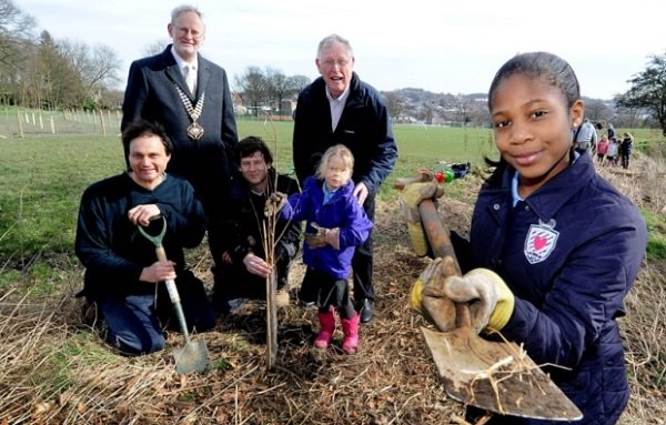 Horsforth kids help with project to reintroduce elm trees