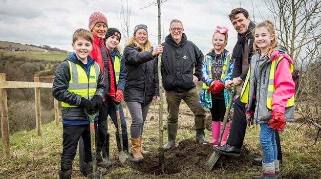 Andy Burnham helps Bolton pupils plant first site of 120 mile new Northern Forest