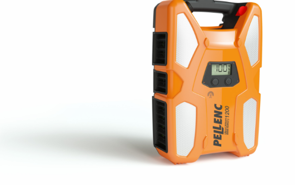 Pellenc introduce the 1200 battery and harness to the UK market